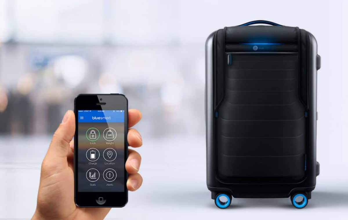 Smart Luggage with App
