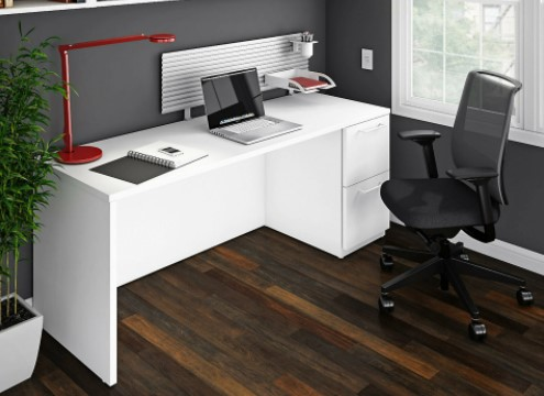 office-chair-and-desk